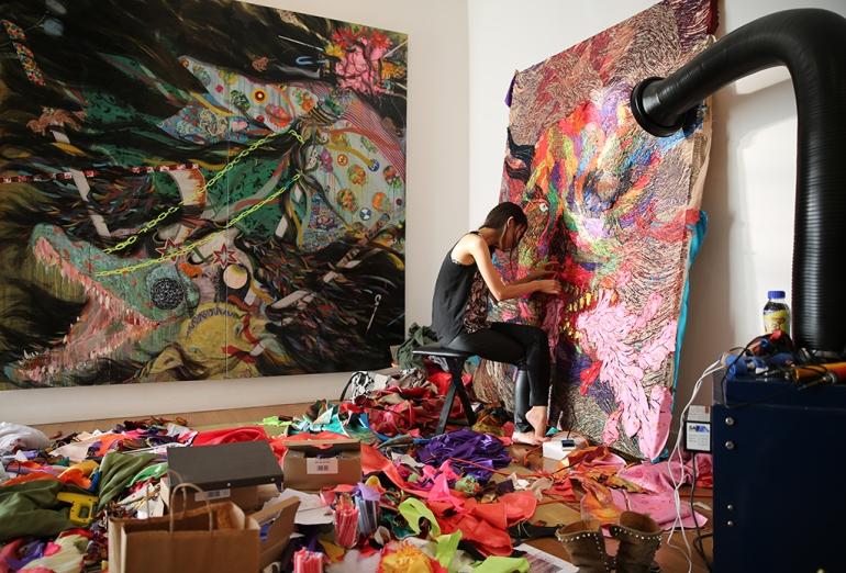 Hyon-Gyon-in-her-studio(1)